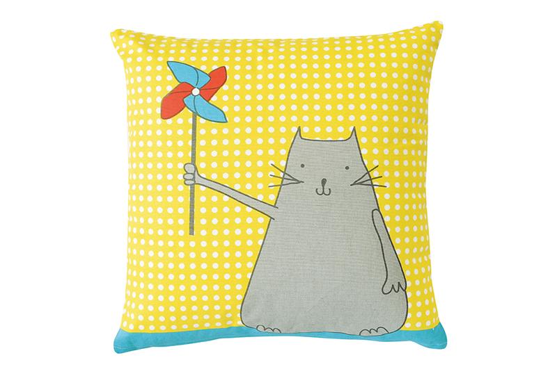 design-textile-enfant-coussin-03-bycamille