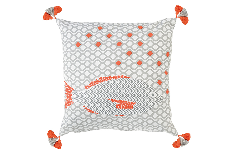jardin-d'ulysse-design-textile-poissons-coussin-02-bycamille